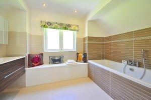 bathroom-1336162_1280